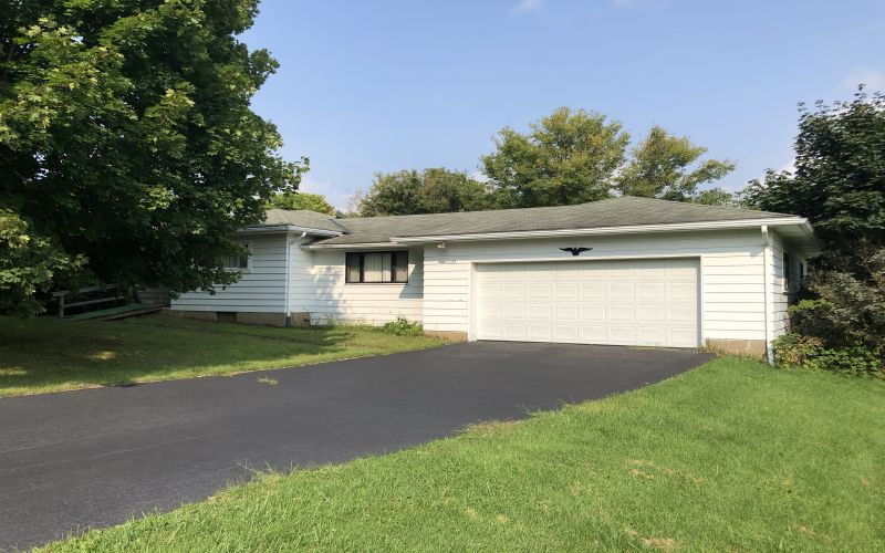 1035 Perry Highay | Portersville